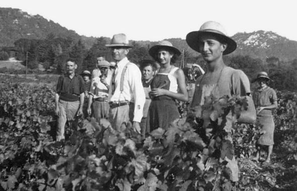 Photo de famille en noir et blanc de la famille Saumade